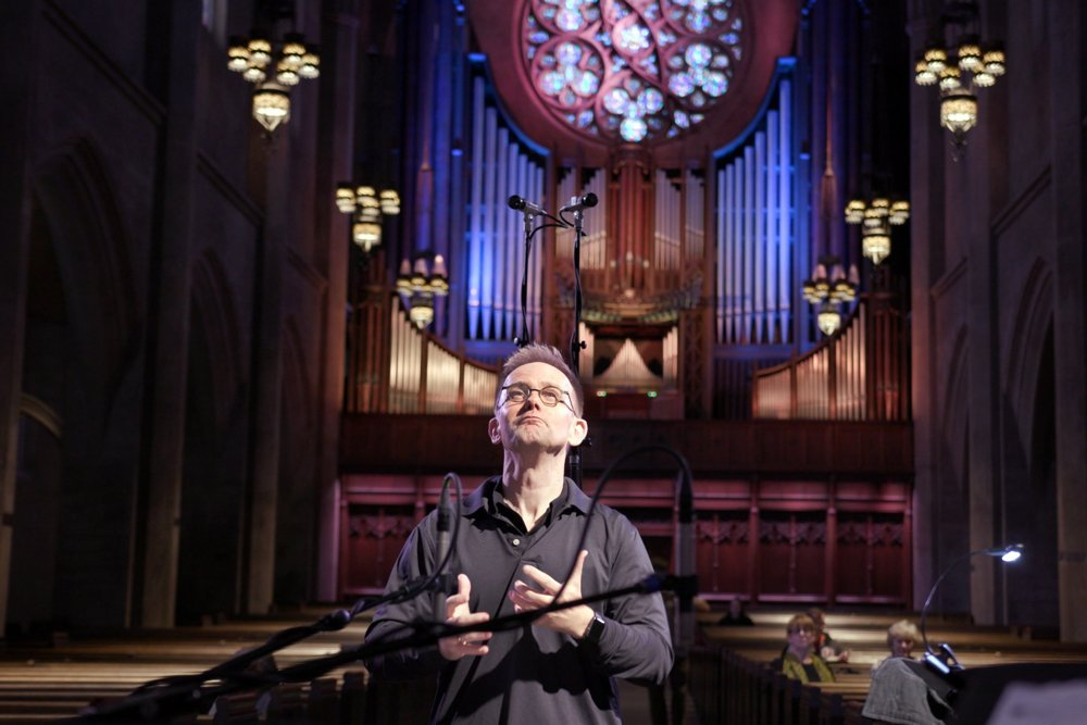 craig-johnson-conducts-during-a-rehearsal-at-the-first-congregational-church-of-la