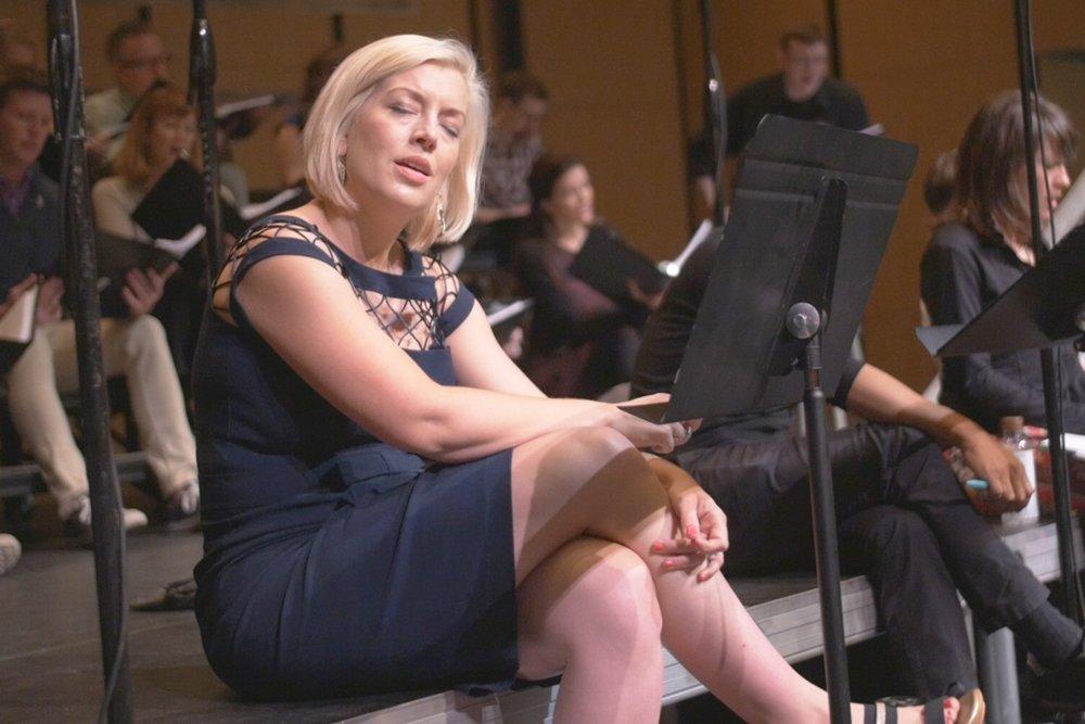 mela-dailey-rehearsing-in-austin