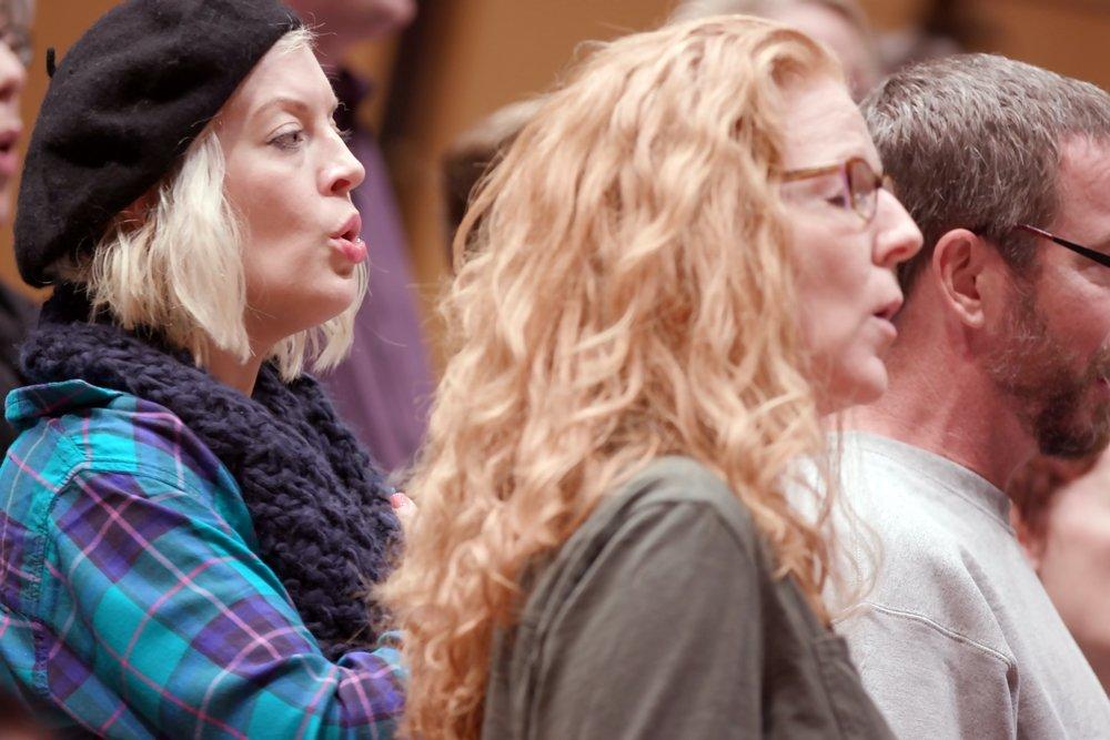 singers-rehearsing