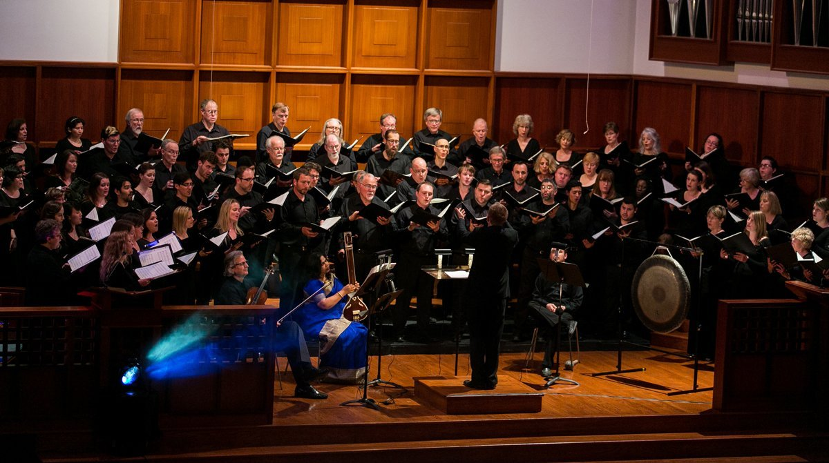 "Craig Hella Johnson conducts the Symphonic Choir in ""Moving Light,"" March 2014 (photo Danny Bode)"